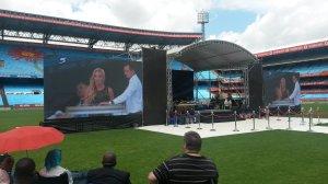 amor-on-stage